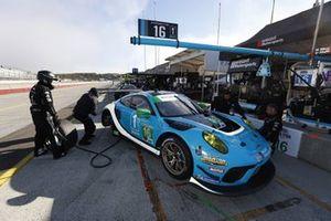 #88: Team Hardpoint EBM Porsche 911 GT3R, GTD: Katherine Legge, Rob Ferriol, crew members