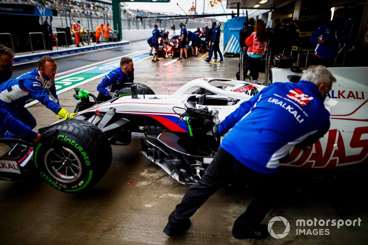 Nikita Mazepin, Haas VF-21, torna in garage
