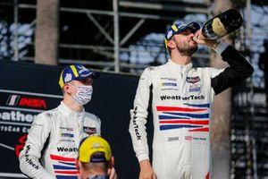 #79: WeatherTech Racing Porsche 911 RSR - 19, GTLM: Cooper MacNeil, Mathieu Jaminet, champagne