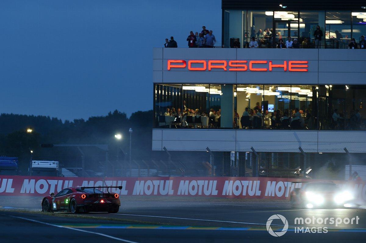 #52 AF Corse Ferrari 488 GTE EVO LMGTE Pro, Daniel Serra, Miguel Molina, Sam Bird spins