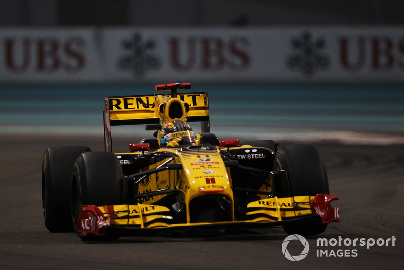 Tuvieron que pasar 8 años, 8 meses y 14 días para lograr este punto. Sus últimos puntos logrados fueron en el GP de Abu Dhabi de 2010, con el equipo Renault, cuando cruzó la meta en 5º lugar.