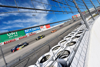 Alex Bowman, Hendrick Motorsports, Chevrolet Camaro Axalta e Jimmie Johnson, Hendrick Motorsports, Chevrolet Camaro Lowe's