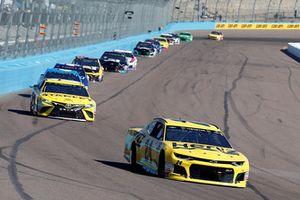 William Byron, Hendrick Motorsports, Chevrolet Camaro Hertz and Daniel Suarez, Joe Gibbs Racing, Toyota Camry STANLEY