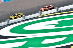 William Byron, Hendrick Motorsports, Chevrolet Camaro Hertz and Clint Bowyer, Stewart-Haas Racing, Ford Fusion ITsavvy