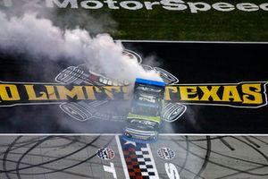 Justin Haley, GMS Racing, Chevrolet Silverado Fraternal Order Of Eagles, burnout