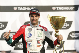 Podium: race winner Mehdi Bennani, Sébastien Loeb Racing