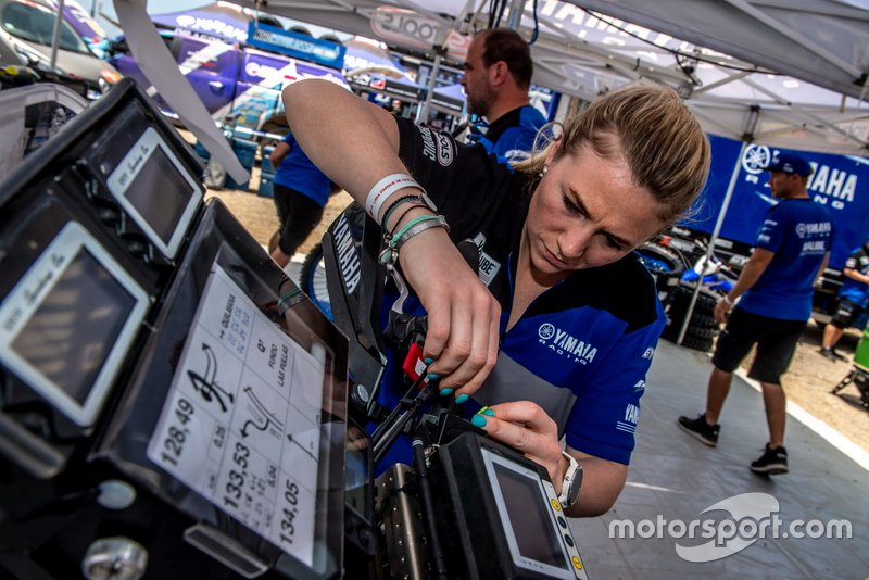 Female mechanic of Yamaha Official Rally Team