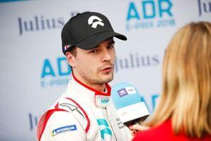 Tom Dillmann, NIO Formula E Team, NIO Sport 004 interviewé par Nicki Shields