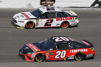 Erik Jones, Joe Gibbs Racing, Toyota Camry Craftsman, Brad Keselowski, Team Penske, Ford Fusion Discount Tire