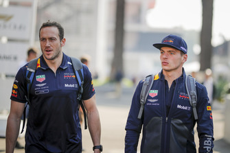 (L to R): Jake Aliker, Personal Trainer Red Bull Racing en Max Verstappen, Red Bull Racing