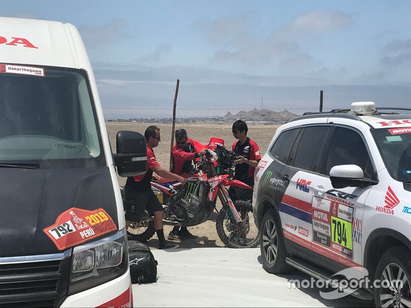 The bike of Joan Barreda (Honda) after being recovered