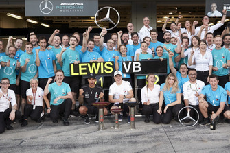 Team celebrations after the Japanese Grand Prix for Lewis Hamilton, Mercedes AMG F1, and Valtteri Bottas, Mercedes AMG F1