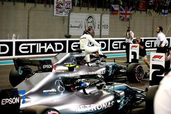 Valtteri Bottas, Mercedes-AMG F1 W09 and Lewis Hamilton, Mercedes-AMG F1 W09 in Parc Ferme