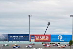 Brandon Jones, Joe Gibbs Racing, Toyota Camry Juniper and Elliott Sadler, JR Motorsports, Chevrolet Camaro Chevrolet OneMain Financial