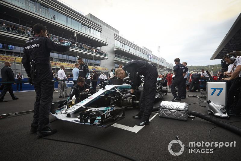Valtteri Bottas, Mercedes AMG F1, in griglia di partenza