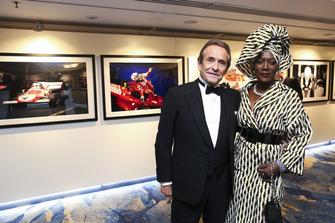 Jacky Ickx avec sa femme, Khadja Nin