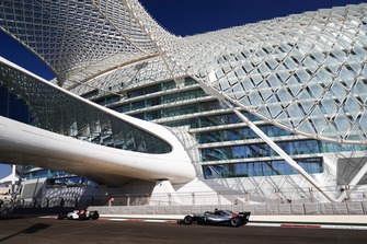 Antonio Giovinazzi, Sauber C37, leads Lewis Hamilton, Mercedes AMG F1 W09 EQ Power+