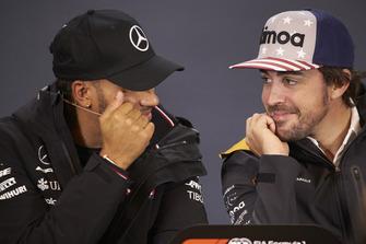 Lewis Hamilton, Mercedes AMG F1 y Fernando Alonso, McLaren