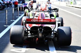 Sauber C37 in pit lane