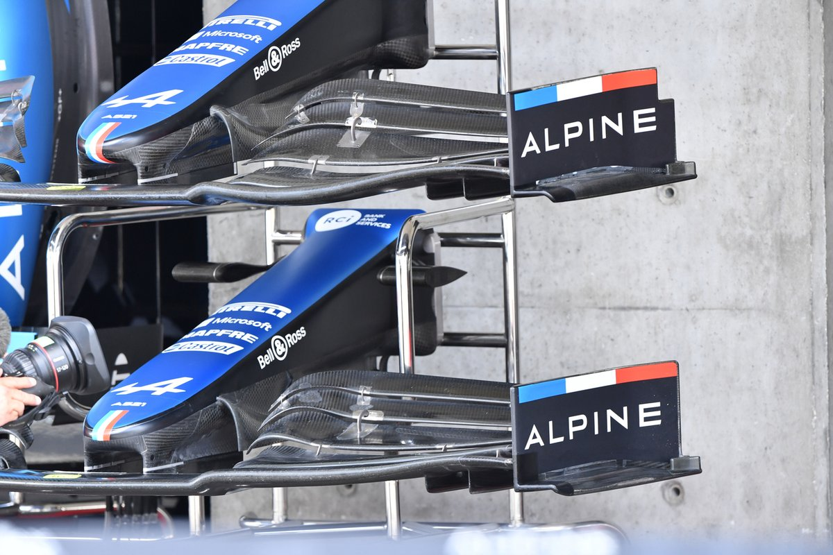 Alpine A521 front wing comparison
