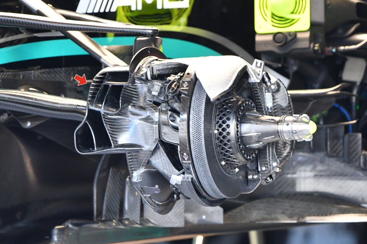 Mercedes W12 front brake duct detail