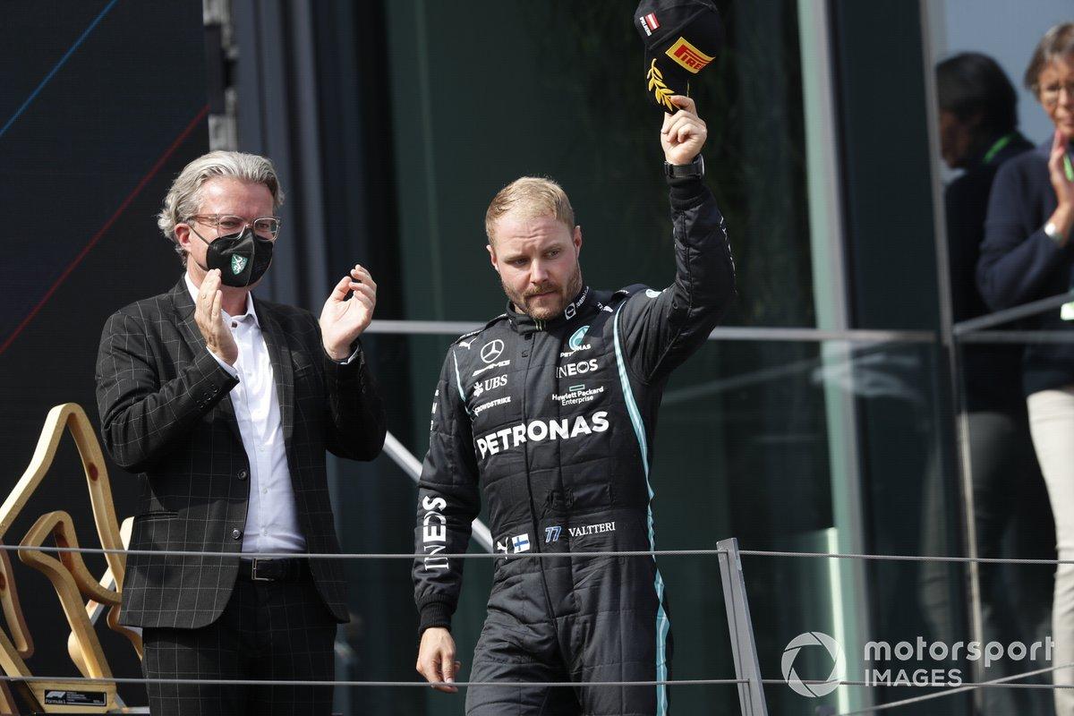 Podio: segundo lugar Valtteri Bottas, Mercedes