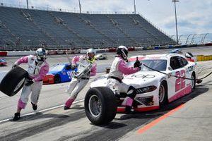 Austin Cindric, Team Penske, Ford Mustang Car Shop, effectue un arrêt au stand