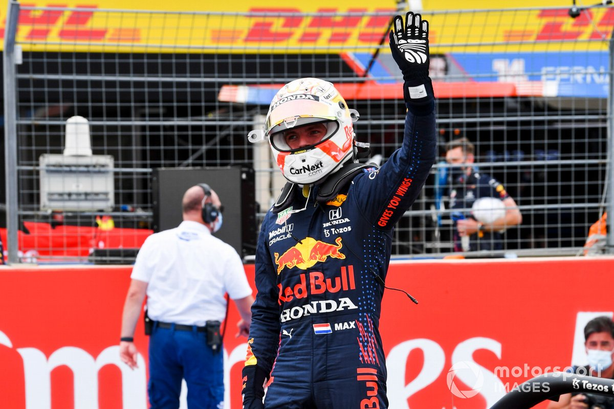 Polesitter Max Verstappen, Red Bull Racing, nel Parc Ferme