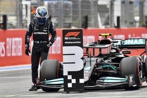 Valtteri Bottas, Mercedes, arrives in Parc Ferme after Qualifying