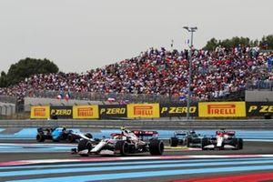 Antonio Giovinazzi, Alfa Romeo Racing C41, leads Kimi Raikkonen, Alfa Romeo Racing C41 ,and Lance Stroll, Aston Martin AMR21