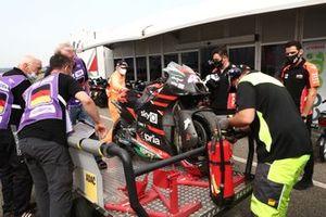 Motor van Aleix Espargaro, Aprilia Racing Team Gresini na zijn crash