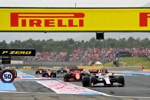 Antonio Giovinazzi, Alfa Romeo Racing C41, Charles Leclerc, Ferrari SF21, Daniel Ricciardo, McLaren MCL35M