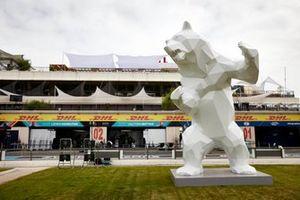 Scultura di un orso al Circuit Paul Ricard