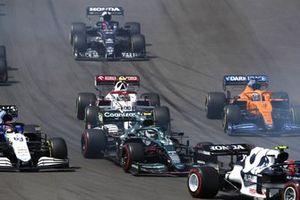 Sebastian Vettel, Aston Martin AMR21, George Russell, Williams FW43B, Antonio Giovinazzi, Alfa Romeo Racing C41, Daniel Ricciardo, McLaren MCL35M, and Yuki Tsunoda, AlphaTauri AT02