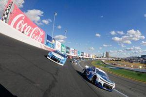 Kyle Larson, Hendrick Motorsports, Chevrolet Camaro MetroTech, Ricky Stenhouse Jr., JTG Daugherty Racing, Chevrolet Camaro Cottonelle