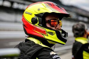 Simon Pagenaud, Team Penske Chevrolet crew member Samuel Emery