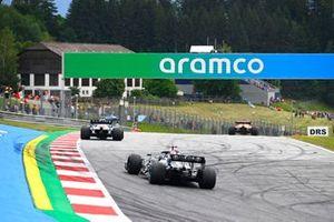 Esteban Ocon, Alpine A521, Lewis Hamilton, Mercedes W12