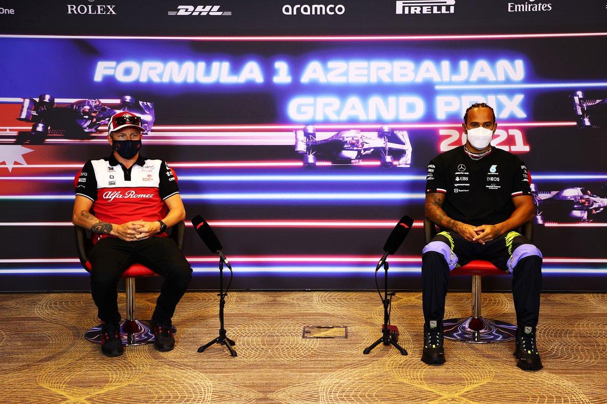 Kimi Raikkonen, Alfa Romeo Racing Y Lewis Hamilton, Mercedes en la conferencia de prensa