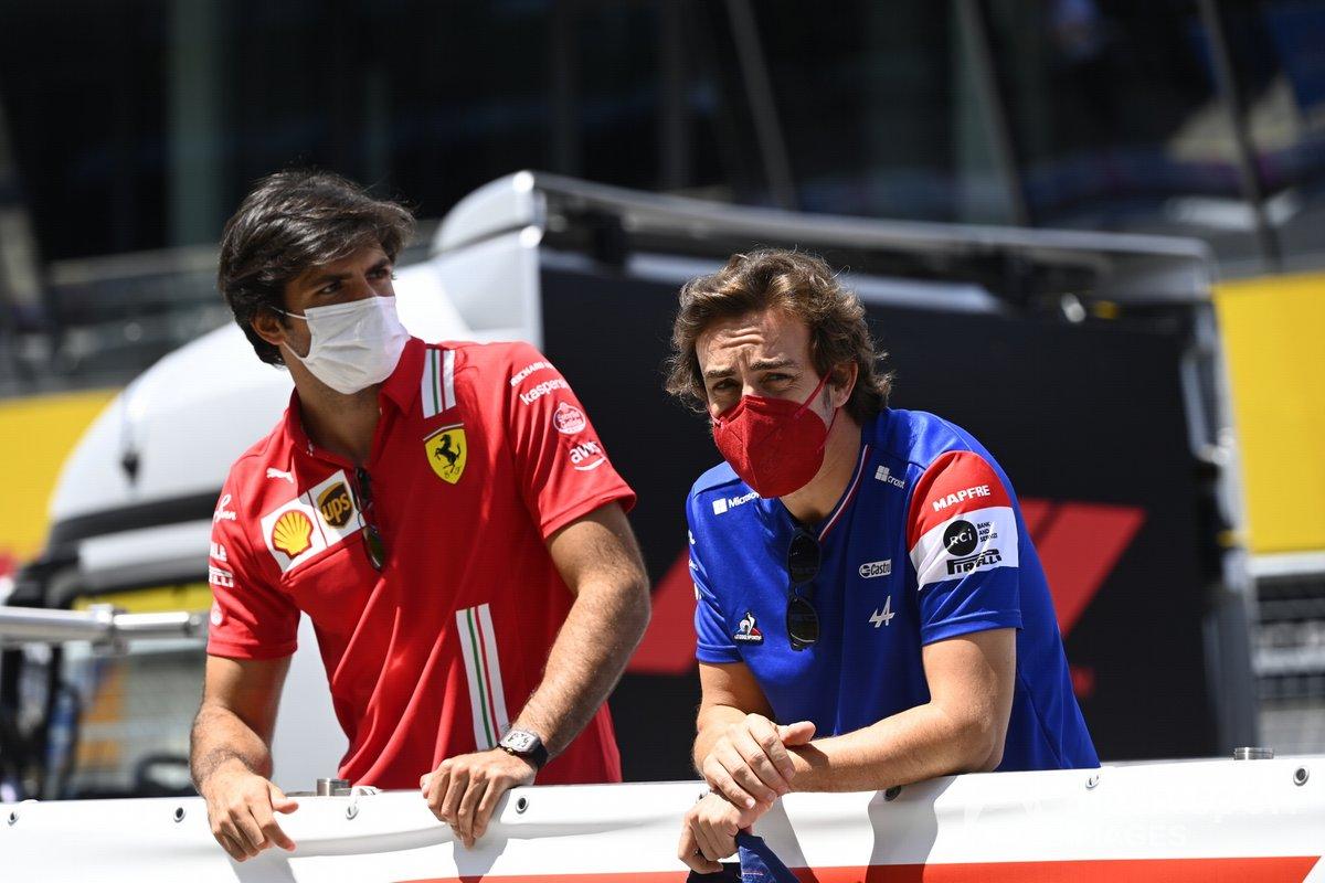 Carlos Sainz Jr., Ferrari, Fernando Alonso, Alpine F1, en el desfile de pilotos