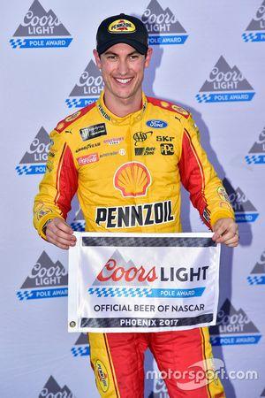 Pole sitter Joey Logano, Team Penske Ford