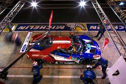 №68 Ford Chip Ganassi Racing Ford GT: Джой Хенд, Дирк Мюллер, Тони Канаан – пит-стоп