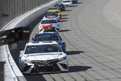 Matt Kenseth, Joe Gibbs Racing Toyota, Martin Truex Jr., Furniture Row Racing Toyota, Kyle Busch, Jo