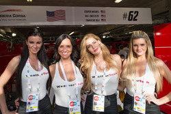 Weathertech-Girls