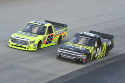 Matt Crafton, ThorSport Racing, Toyota; Justin Haley, Chevrolet