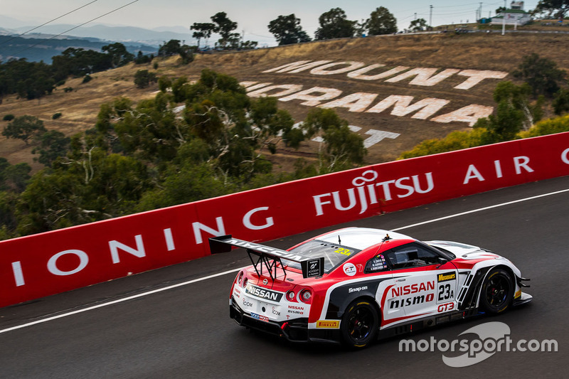 #10: Nissan GT-R am Mount Panorama