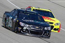 Reed Sorenson, Premium Motorsports Chevrolet, Dale Earnhardt Jr., Hendrick Motorsports Chevrolet