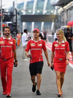 Sebastian Vettel, Ferrari und Britta Roeske