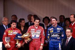 Podium: race winner Ayrton Senna, McLaren, second place Jean Alesi, Ferrari, third place Nigel Manse