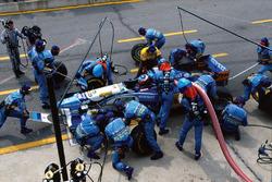 Michael Schumacher, Benetton B195, lors d'un arrêt au stand