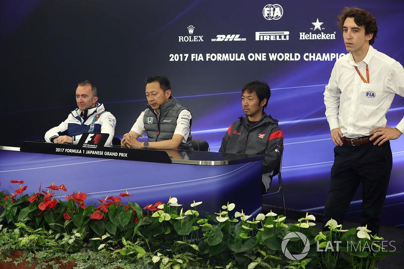 Paddy Lowe, Williams Shareholder and Technical Director, Yusuke Hasegawa, Head of Honda Motorsport a